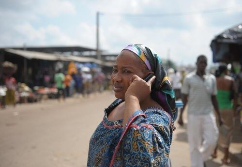 African_woman_on_phone_Celpay